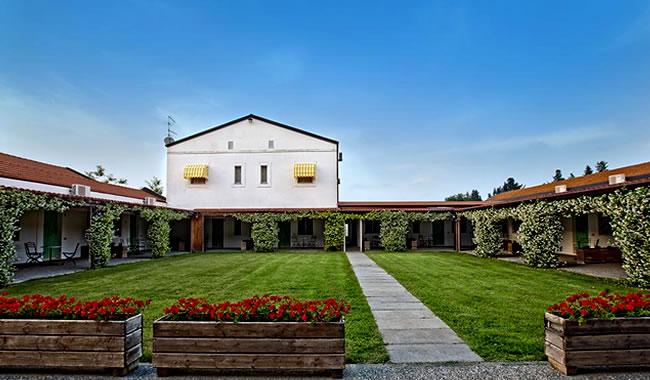 Marina di Pisticci:Masseria Macchia & Relais San Pio