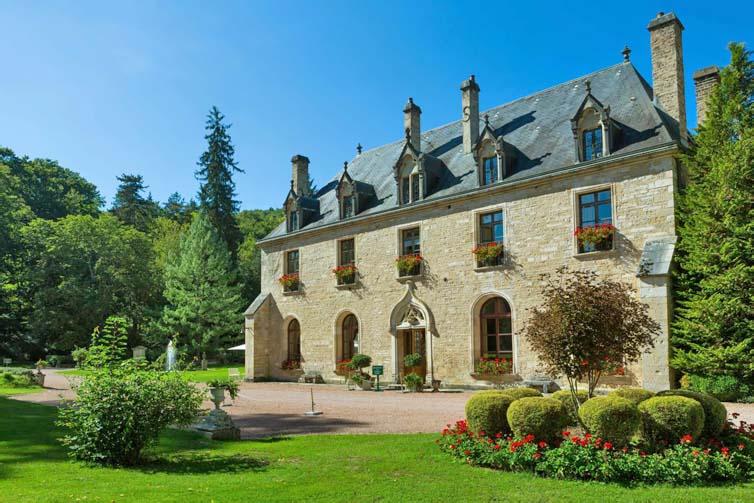 La Bussière-sur-Ouche:Abbaye de la Bussiere