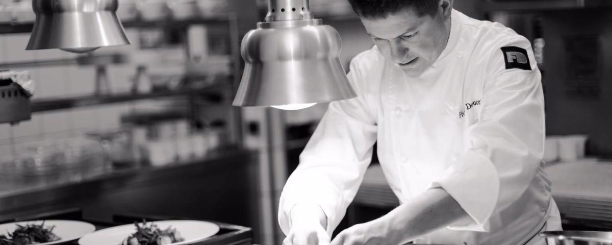JPMoser_cf_hotel_de_la_poste_chef_en_cuisine_8.jpg