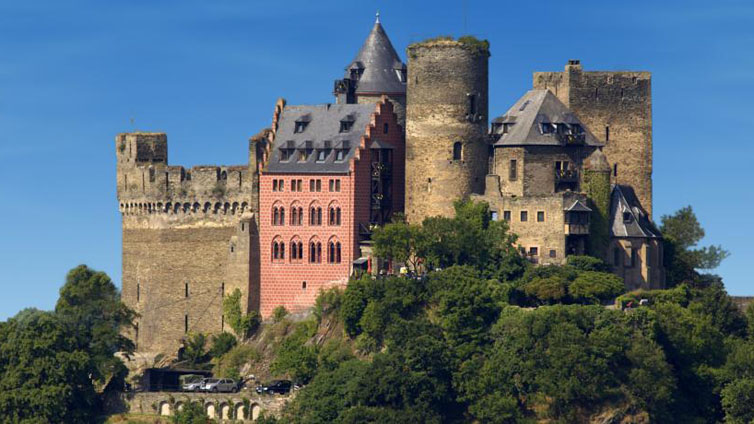 Oberwesel / Rhine:Burghotel Auf Schoenburg