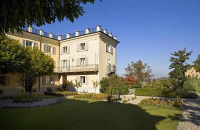 Mombaruzzo:La Villa Hotel