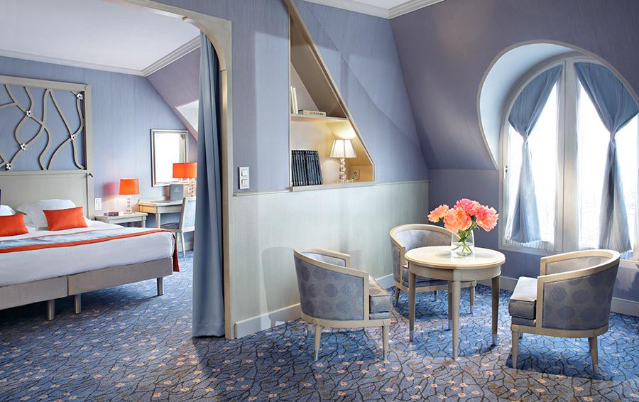 hotel rochester champs elys es paris france updated 2018 official website of jp moser. Black Bedroom Furniture Sets. Home Design Ideas