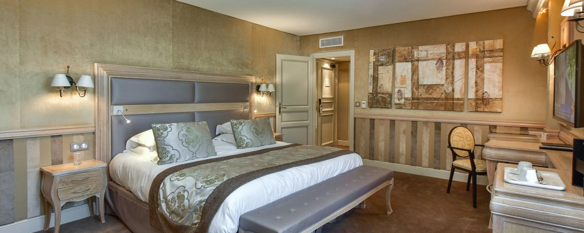 chateau de chailly hotel golf pouilly en auxois france. Black Bedroom Furniture Sets. Home Design Ideas