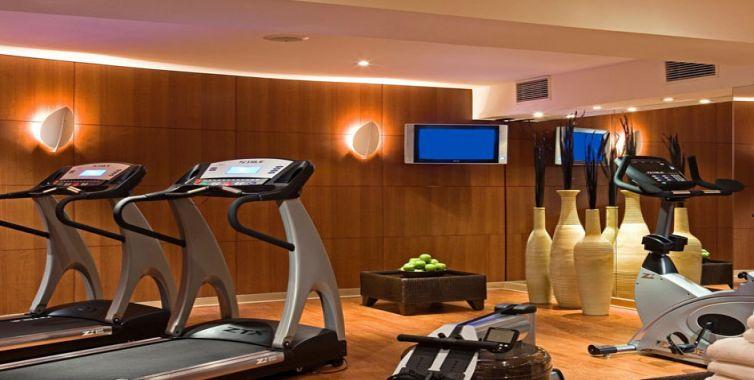 JPMoser_brussels_grand_place_hotel_gym_754_380.jpg