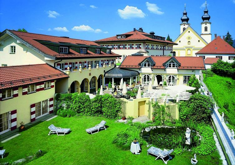 Aschau im Chiemgau (Rosenheim - 22 km):Residenz Heinz Winkler