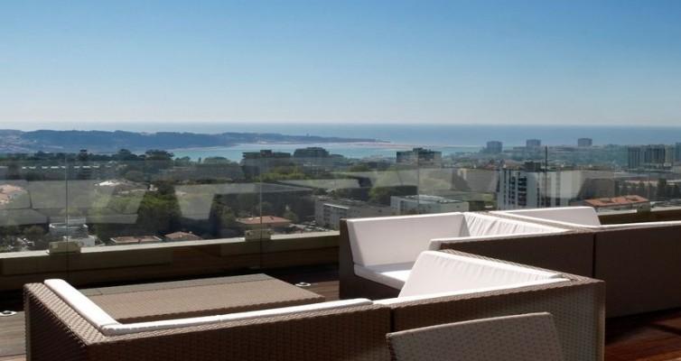JPMoser_porto_palacio_hotel_sun_deck_vip_lounge.jpg