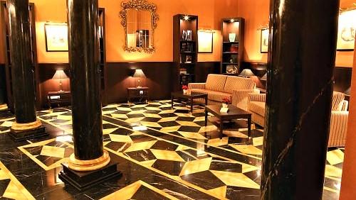 Hotel Ventana Lobby