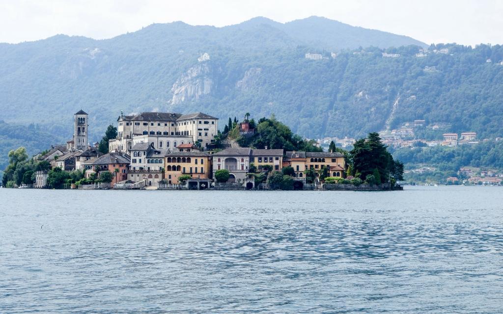 About Lake Orta